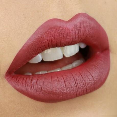 liquid-lipstick-court-nouveau-cosmetics
