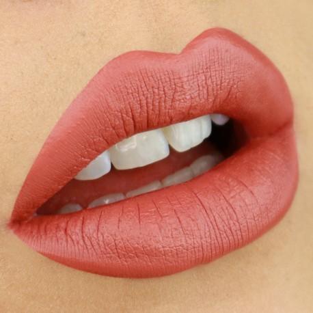liquid-lipstick-linda-nouveau-cosmetics